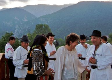Transylvania, party, dancing, traditional music, Transylvanian costume, Piatra Craiului, Magura