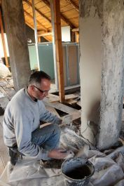Greg Helm, Transylvania, Cristian, attic conversion, housework, Magura, Fericita in Transylvania
