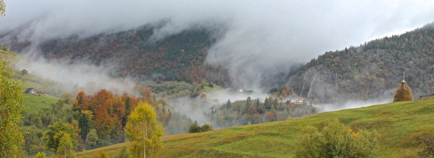 Low cloud, mist, Magura, autumn weather, Transylvania